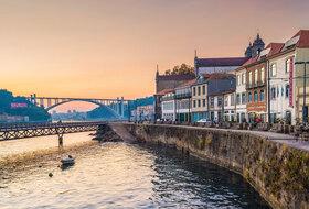 Parking Ribeira à Porto : tarifs et abonnements - Parking de quartier   Onepark
