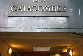 Estacionamento Les Catacombes: Preços e Ofertas  - Parque de zonas turísticas | Onepark